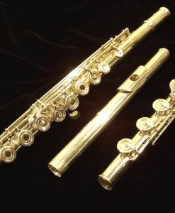 Used Avanti 2000 Flute with C# Trill